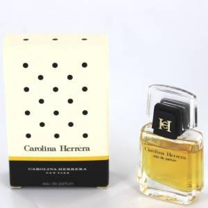 Mini Perfumes Mujer - New York Eau de Parfum by Carolina Herrera 4ml. (Cajita Blanca con puntos en negro)  (Últimas Unidades)
